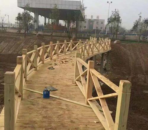 呼市木栈道