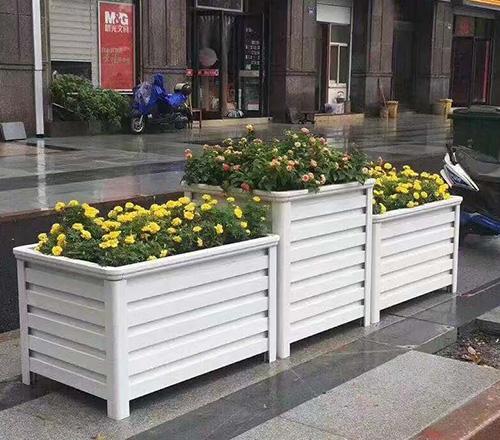 木质白色花箱